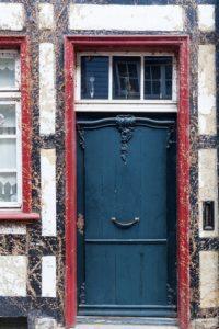 alte Haustüre in Monschau, Deutschland