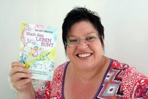 Kerstin Werner mit Buch